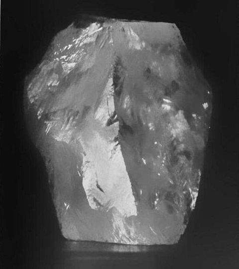 3106-carat Cullinan rough diamond, the largest gem-quality rough diamond ever discovered