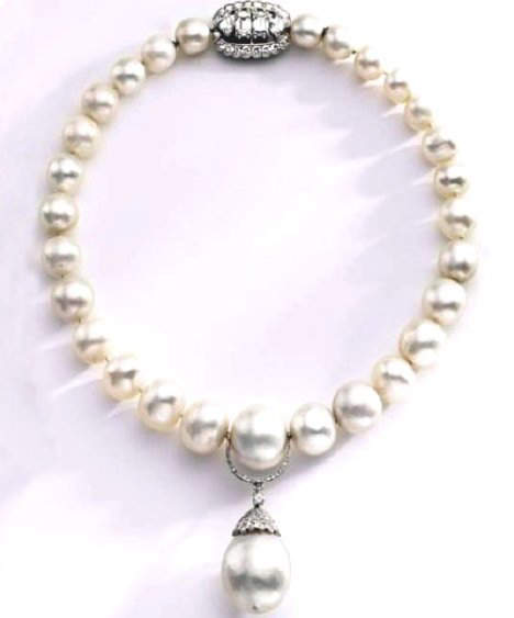 Queen Mary/ Duchess of Windsor Pearl and Diamond Necklace with Pendant