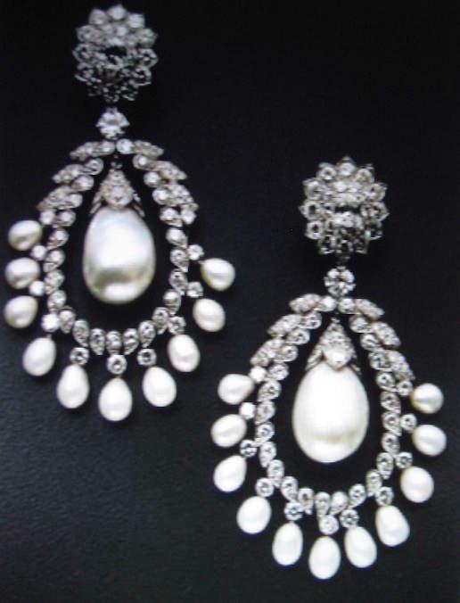 Doris Duke's Pair of Pearl and Diamond Ear Pendants