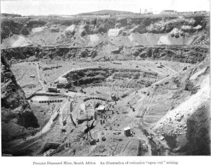 Extensive open-pit mining at the Premier Diamond Mines before 1945