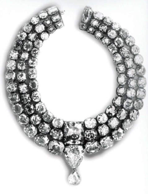 Gaekwad Khande Rao's three-tiered diamond necklace incorporating the cushion-cut Star of the South diamond and the pear-shaped English Dresden diamond as its centerpiece