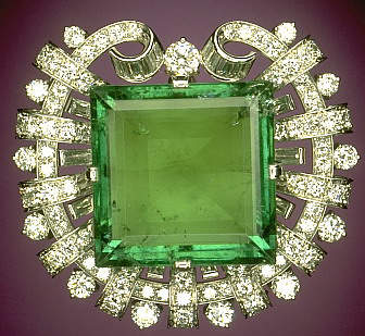 Hooker Emerald Brooch at the Smithsonian Institution