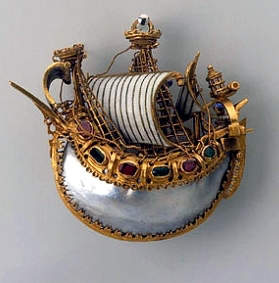 The pendant is designated here as the Italian Caravel Pendant