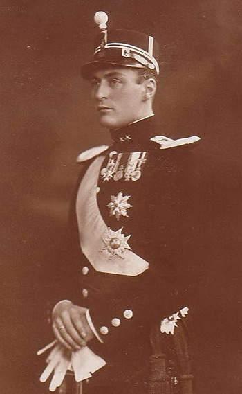 King Olav V- The People's King