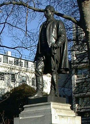 Statue of Lord John Lawrence at Waterloo Palace, London
