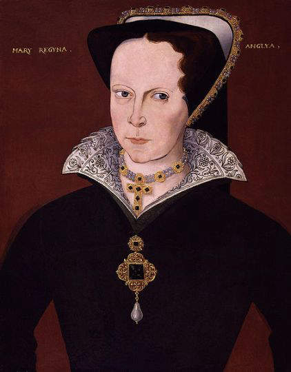 Queen Mary 1 around 1555 wearing the pendant bearing the famous La Peregrina