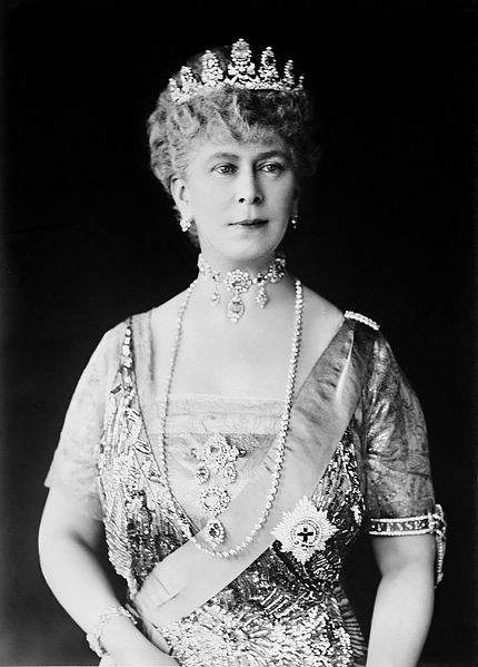 Queen Mary took pride in superbly bejeweling herself for formal occasions