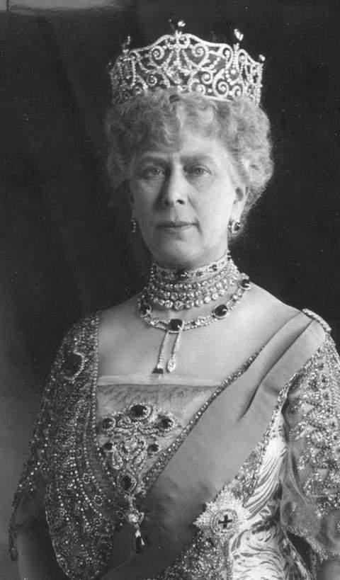Queen Mary wearing the Cambridge and Delhi Dunbar Parure