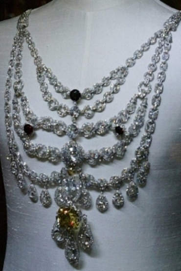 Replica of the Patiala Diamond Necklace created by Cartier