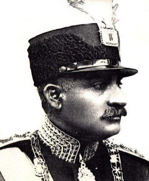 reza-shah-pahlavi-wearing-the-darya-i-nur-as-decoration-on-his-military-hat