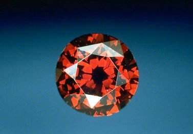 The de Young Red diamond, is a 5.03-carat, round brilliant-cut