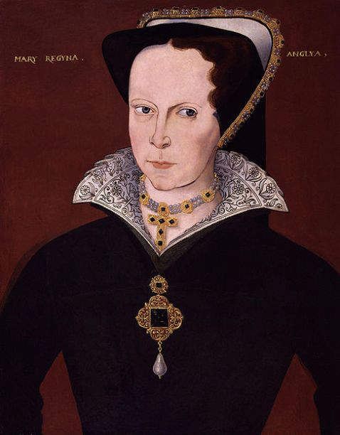 Portrait of Mary I by unknown artist circa 1555, showing her wearing a pendant-brooch, with the La Peregrina as the pendant